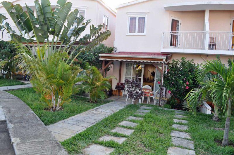 Vente maison villa grand gaube ile maurice ext rieur for Amenagement jardin facade maison