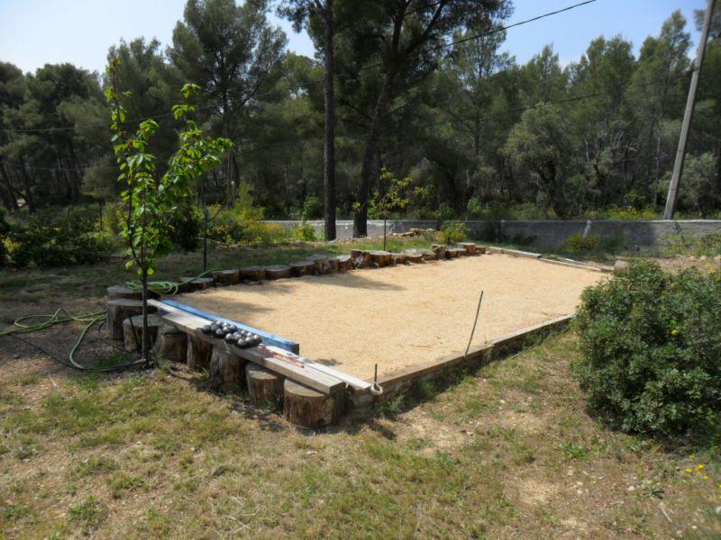 Vacances la ciotat les terres rouges appartement avec piscine et chalet nature 600 m mer - Piscine pente terrain nice ...